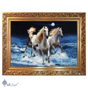 تابلوفرش دستباف اسب های سفید وحشی